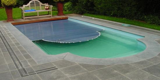 polypropyleen zwembad in de tuin
