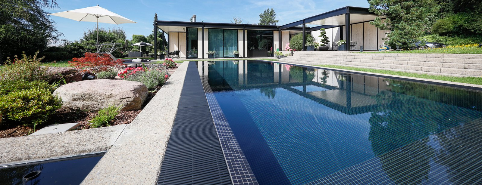 Riviera Pool M line